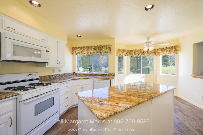 Golf Homes for Sale in Nipomo CA - Entertain with ease in the spacious kitchen of this Nipomo home for sale.