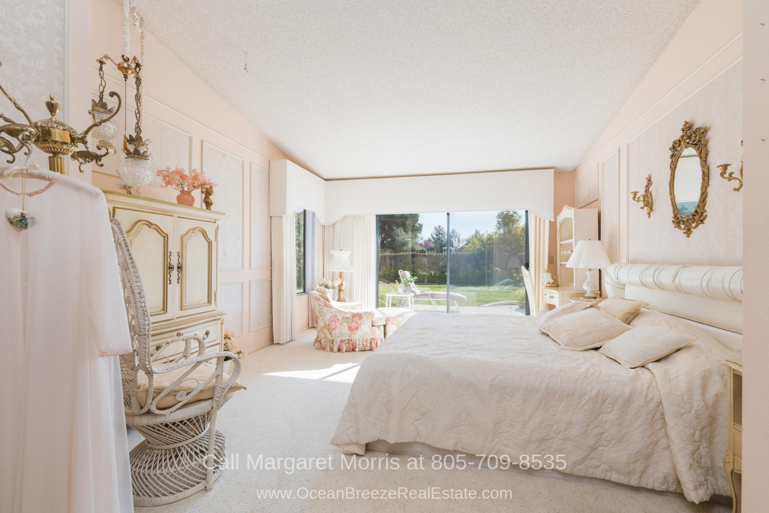 Crown Pointe Subdivision Nipomo CA  Golf Homes - Enjoy the best rest and privacy in the large master bedroom of this Nipomo golf course home for sale