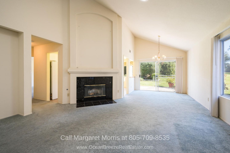 Nipomo CA Golf Homes - Feel right at home in the light-filled interior of this Nipomo CA golf course home for sale.